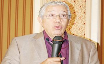 عيوش يدعو إلى طرد السياسيين من المجلس الأعلى للتعليم