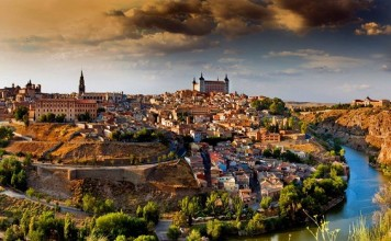 """من إسبانيا إلى المغرب العربي.. ماذا تعرف عن رحلة """"المورسكيين"""" من الاضطهاد الديني؟"""