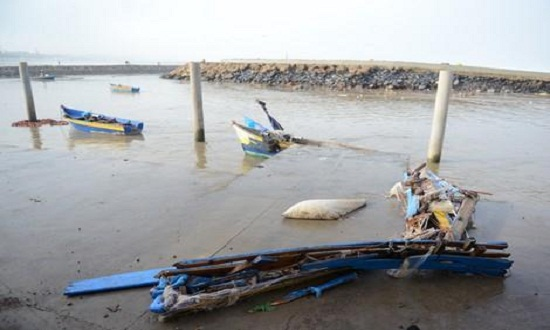 الدولة تتكفل بعملية استبدال القوارب ومعدات الصيد المتضررة من المدّ البحري