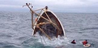 مصرع بحار في حادث غرق مركب للصيد بشواطئ طنجة وإنقاذ تسعة آخرين