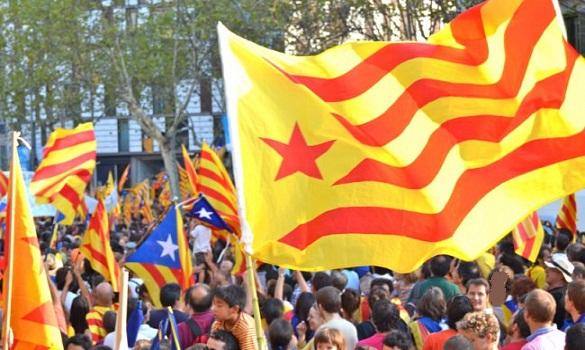 تراشق سياسي بين مدريد والحكومة المحلية الكاتالانية حول استفتاء استقلال الإقليم