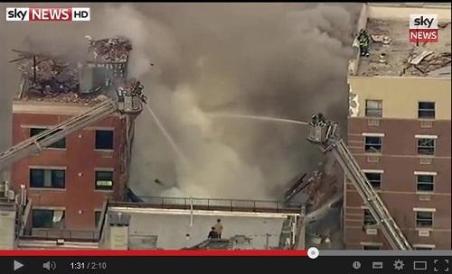 انفجار هائل يؤدي إلى انهيار بنايتين بنيويورك وأنباء عن ضحايا