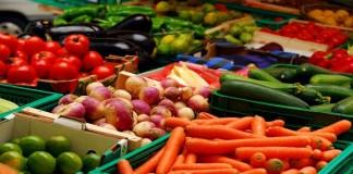 المحروقات والصقيع يرفعان أسعار الخضر والفواكه