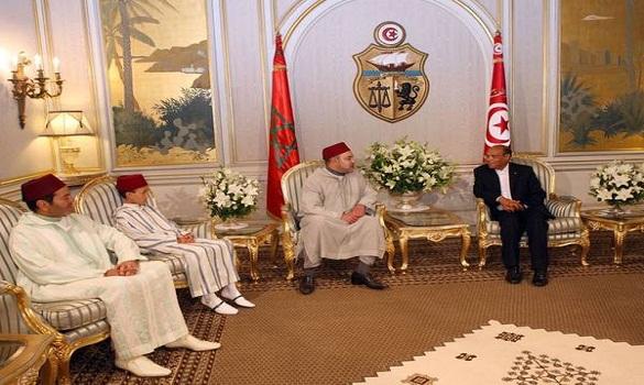 الملك محمد السادس والمرزوقي يترأسان حفل التوقيع على 20 اتفاقية للتعاون