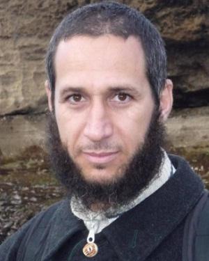 أبو الفرج الأصفهاني صاحب كتاب «الأغاني» بين محبيه مبغضيه