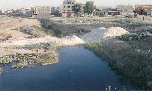 معاناة مستمرة لساكنة أحد الدواوير بإقليم الفقيه بن صالح من مياه الصرف الصحي