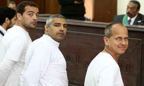 السجن من 7 إلى 10 سنوات لصحافيي الجزيرة الثلاثة المحبوسين في مصر