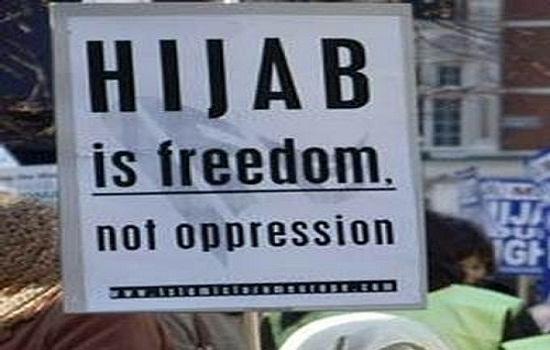 مجلس مدينة ريوس الاسبانية يصدر قانونا يحظر الحجاب في الشارع العام