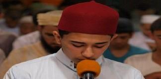 المقرئ عبد الرحيم أسكور يؤم آلاف المصلين في مصلى حي الإنبعاث بمدينة سلا