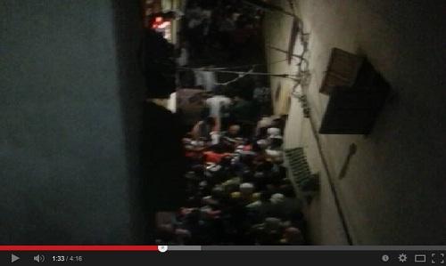 هوية بريس - لحظة إخراج أحد المجرمين في جريمة قتل الشاب عبد الله الزوكاري بسلا
