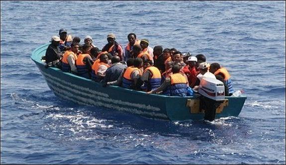 انخفاض عدد المهاجرين غير الشرعيين الذين وصلوا إلى إسبانيا أبريل الماضي بأزيد من 50 في المائة