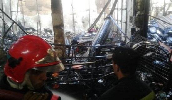 خسائر مادية مهمة بعد اندلاع حريق بسوق الثلاثاء بإنزكان مخلفا