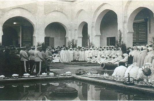 موقف علماء فاس من مستشاري مولاي عبد العزيز الأوربيين (1905م)