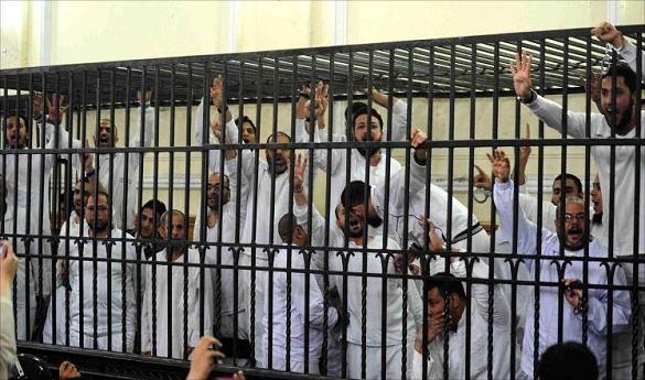 محكمة مصرية تقضي باستمرار حظر أنشطة الإخوان والتحفظ على أموالها