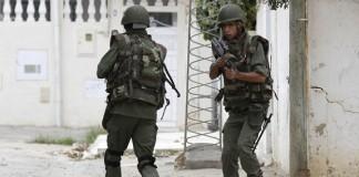 مقتل 6 بينهم 5 نساء بهجوم على منزل مسلحين على أيدي قوات الأمن بتونس