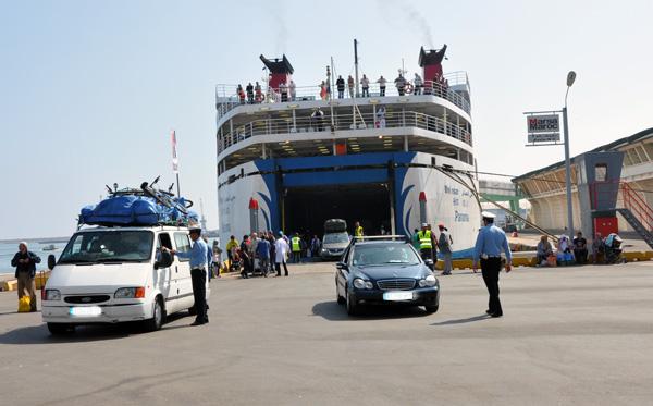 ميناء طنجة المتوسط ينشر توقعات عملية العبور ويحث المسافرين على تفادي أوقات الذروة