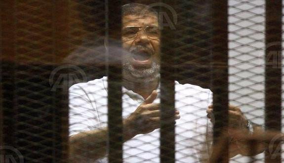 الرئيس المعزول مرسي.. يتحدث بعد 35 يومًا من الصمت متهمًا النيابة بجهل التاريخ