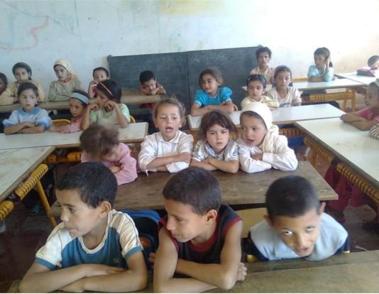 """هاشتاغ """"من حقي نقرا"""" يوحد المغاربة حول ضرورة انتزاع حقهم في التعليم العالي"""