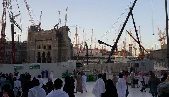 تقدم ملحوظ لأشغال إزالة باب الملك عبد العزيز في مشروع توسعة الحرم المكي