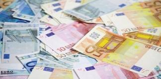 بعد تعويم الدرهم.. مضاربون يلهبون الأورو
