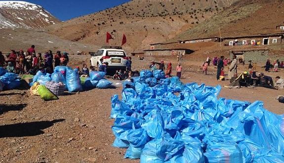 «جمعية الوسط للثقافة والتنمية» بورزازات تنظم قافلة «مودة» لتقديم المساعدات