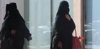 الصين تحظر النقاب في عاصمة تركستان الشرقية