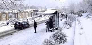 الثلوج والأمطار يفرضان حظر تجوال بمحافظات شمالي وشرقي الجزائر