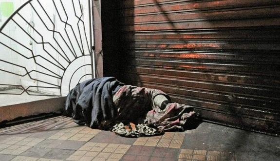 ذ. النملي: أحسنوا للمشردين وأطعموهم وأدفئوهم ولا تنتظروا الدولة أن تتحرك لوحدها