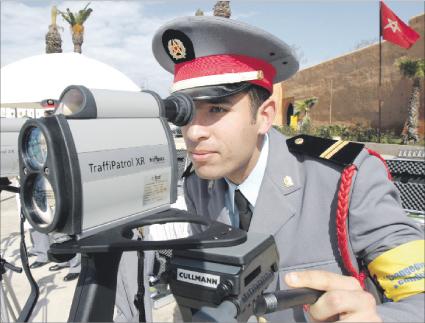 تسليم 280 رادارا لأعوان المراقبة من الدرك الملكي والأمن الوطني لتكثيف مراقبة السرعة
