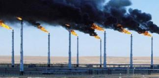 أسعار النفط تهوي بشدة بعد ارتفاع حاد مفاجئ في الاحتياطي الأميركي