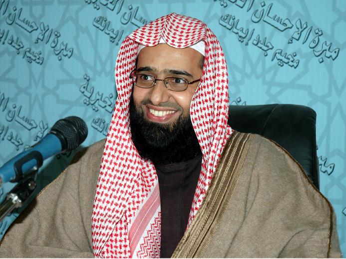 اعتقال الشيخ عبد العزيز الفوزان بعد تغريدة له استنكر فيها الحرب الشعواء على الدين والقيم