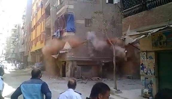 فيديو.. لحظة انهيار مبنى سكني في مصر خلال ثوانٍ