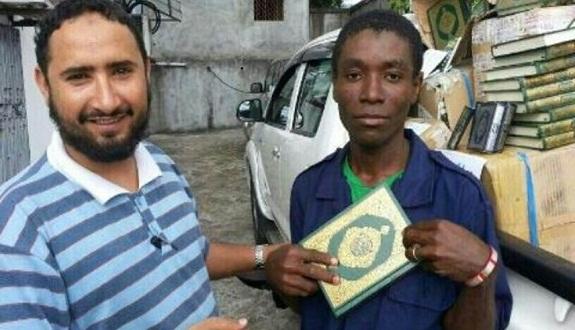 بالصور.. حملة لجمع المصاحف بالرياض دعمًا لمسلمي إثيوبيا