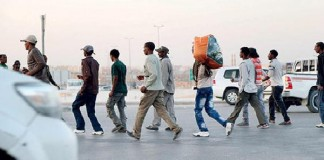 إثيوبيون غادروا ليبيا ينفون أنهم كانوا مختطفين لدى جماعات إرهابية