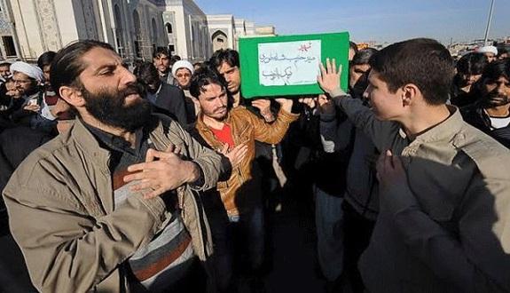 زيبنيو باكستان يقاتلون مع نظام بشار ويحتلون منازل المدنيين ويسرقونها (فيديو)