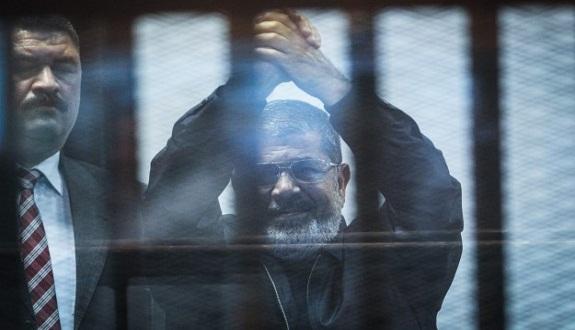 4 سيناريوهات للحكم على مرسي في قضية «التخابر» مع حماس