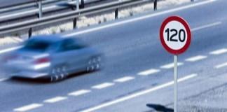 التزام السائقين والراجلين بقواعد المرور خيط ناظم لأسس احترام الحق في الحياة