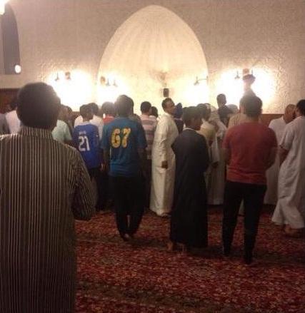 صورة مؤذن لَفَظَ أنفاسه الأخيرة فور انتهائه من أذان الفجر بمدينة جدة