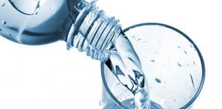 دراسة علمية تحذر من إعادة استعمال القنينات البلاستيكية بسبب أضرارها الصحية