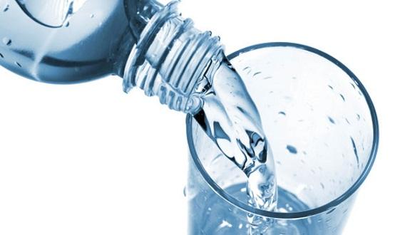 8 أسباب غير متوقعة وراء شعورك الدائم بالعطش