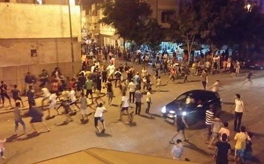 عصابة تهاجم حافلة للنقل الحضري وتروع الركاب والساكنة بالقنيطرة