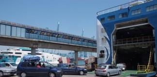 الشرطة الاسبانية تسترجع أزيد من 50 سيارة حاولت عصابة تهريبها إلى المغرب