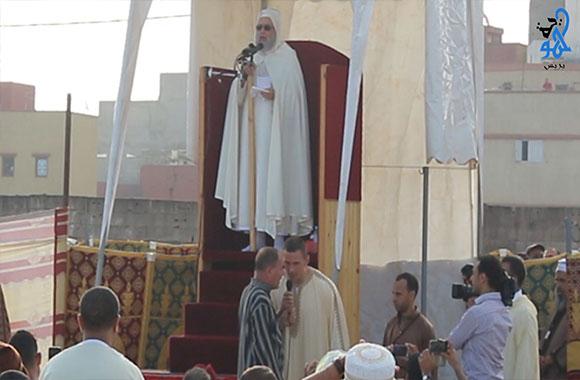 بالفيديو: إسلام ثلاثة أجانب في مصلى حي كريمة بسلا بعد صلاة عيد الأضحى