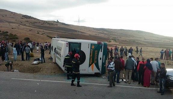 مصرع راكب وإصابة 24 في حادث انقلاب حافلة لنقل الركاب بين طنجة وتطوان
