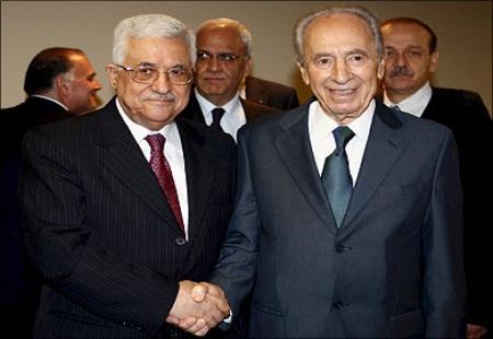احسان الفقيه: أبو مازن و«عبسنة» القضية الفلسطينية