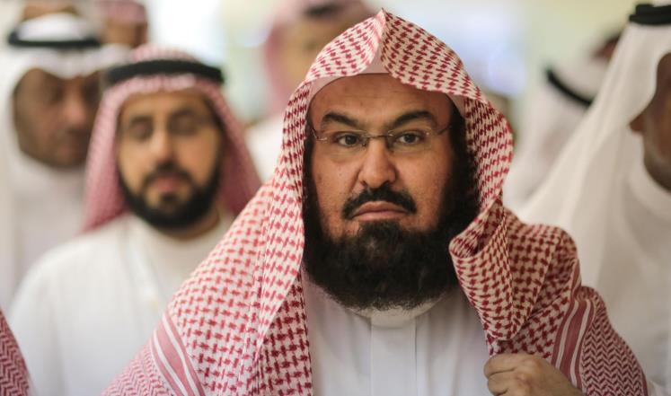 """الشيخ السديس يرفض الاتهامات ضد قيادات بلده، ويصف بن سلمان بـ""""المحدث المهلم"""" (شاهد)"""