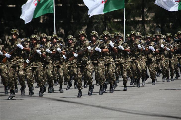 """الجيش الجزائري: نحن والشعب """"متماسكان ولنا رؤية موحدة للمستقبل"""""""