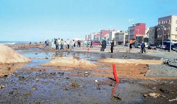 أمواج البحر تدمر مشروعا بقيمة 13 مليارا بكورنيش سلا