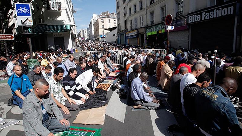 بعد تفجيرات باريس.. فرنسا تنوي تعديل الدستور وتغلق مساجد