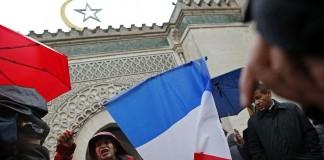 """فرنسا.. إغلاق مسجد بدعوى """"الترويج للتطرف"""""""